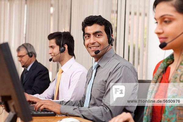 Porträt eines Call-Center-Agenten