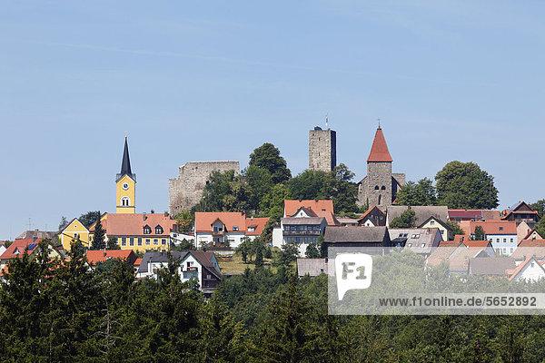 Deutschland  Bayern  Blick auf Leuchtenberg