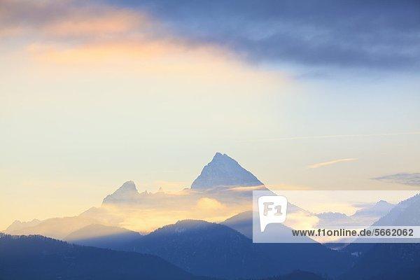 Watzmann bei Sonnenuntergang  Berchtesgadener Alpen  Bayern  Deutschland  Europa Watzmann bei Sonnenuntergang, Berchtesgadener Alpen, Bayern, Deutschland, Europa