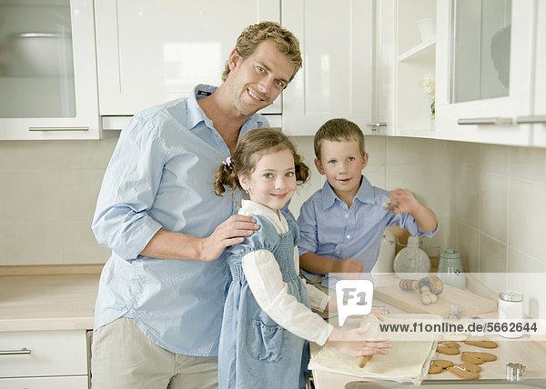Menschlicher Vater Sohn Küche Tochter