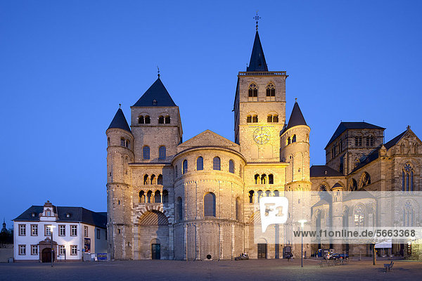 Cathedral of Trier  a UNESCO World Heritage site  Trier  Rhineland-Palatinate  Germany  Europe  PublicGround