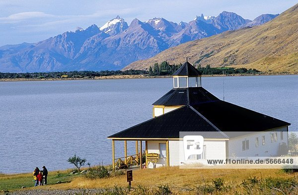 Nationalpark Berg Hotel Restaurant Anden See Argentinien Bahia Patagonien