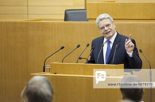 Federal President Joachim Gauck addressing the MPs in the Landtag  state parliament  inaugural visit of Federal President Joachim Gauck and his partner Daniela Schadt in Baden-Wuerttemberg  Stuttgart  Baden-Wuerttemberg  Germany  Europe