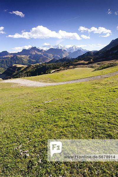 Aussicht beim Boeseekofel-Klettersteig  Corvara  hinten die Marmolata  Dolomiten  Trentino  Italien  Europa Aussicht beim Boeseekofel-Klettersteig, Corvara, hinten die Marmolata, Dolomiten, Trentino, Italien, Europa