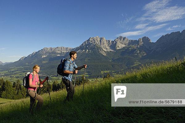 Wanderer  Wilder Kaiser  Tirol  Österreich  Europa