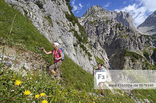 Europa  Berg  absteigen  Nostalgie  Lodge  Landhaus  Österreich  Tirol