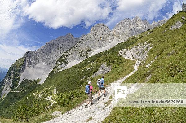 Europa  Berg  Verbindung  gehen  Weg  Ende  Lodge  Landhaus  wandern  Österreich  anhalten  Tirol