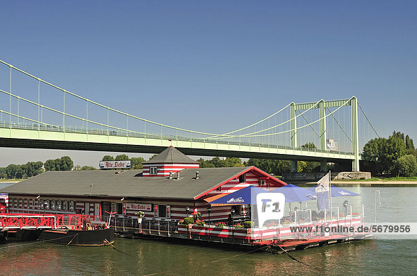 nahe Europa Boot Brücke Restaurant Fluss Bundesstraße Köln Deutschland Nordrhein-Westfalen Nordrhein-Westfalen