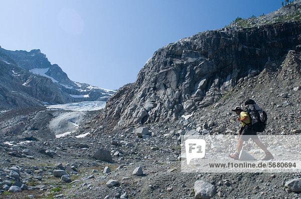 Kletterer bei Chickamin Glacier  Ptarmigan Traverse  North Cascades  Washington USA