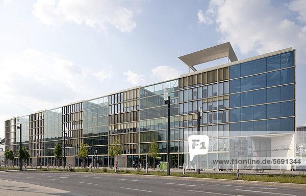 Bürogebäude an der Europa-Allee  Europaviertel  Frankfurt am Main  Hessen  Deutschland  Europa  ÖffentlicherGrund