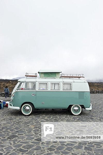 VW-Bus  VW-Treffen  Teide Nationalpark  Teneriffa  Kanarische Inseln  Spanien  Europa VW-Bus, VW-Treffen, Teide Nationalpark, Teneriffa, Kanarische Inseln, Spanien, Europa