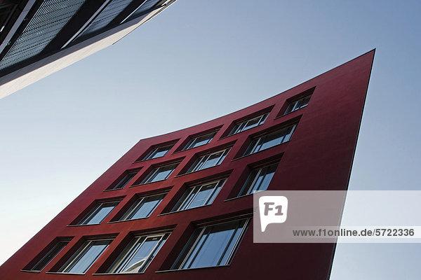 Deutschland  Bayern  München Westend  Außenansicht eines modernen Gebäudes
