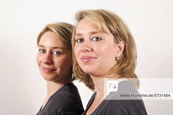 Zwillingsschwestern  Portrait