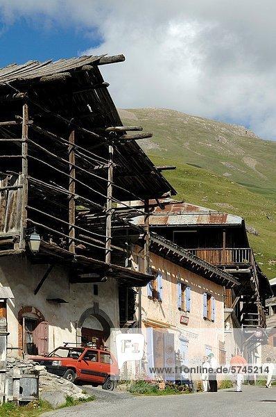 Frankreich französisch Tradition Alpen Blockhaus Ortsteil Hautes-Alpes Holzhäuser