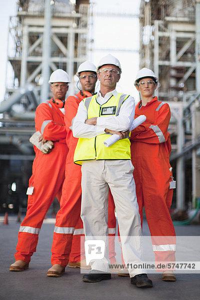 Arbeiter in der Ölraffinerie