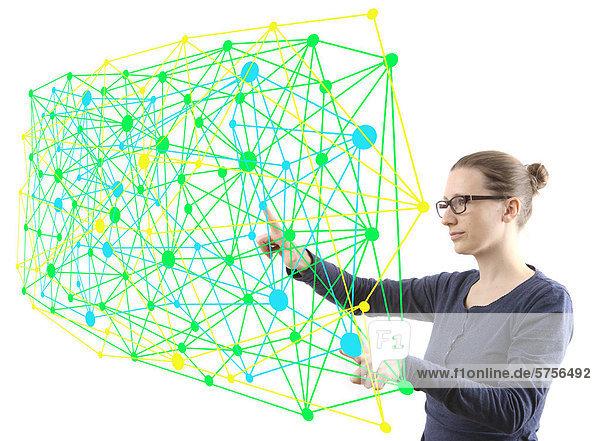 Frau mit virtuellem Modell  Symbolbild Netzwerke  Networking  Vernetzungen