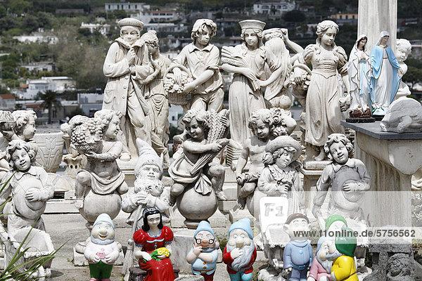 Europa offen Statue Figur Veranstaltung Garten Beton Himmel Regenwald Jungfrau Maria Madonna Kampanien Ausstellung Golf von Neapel Italien