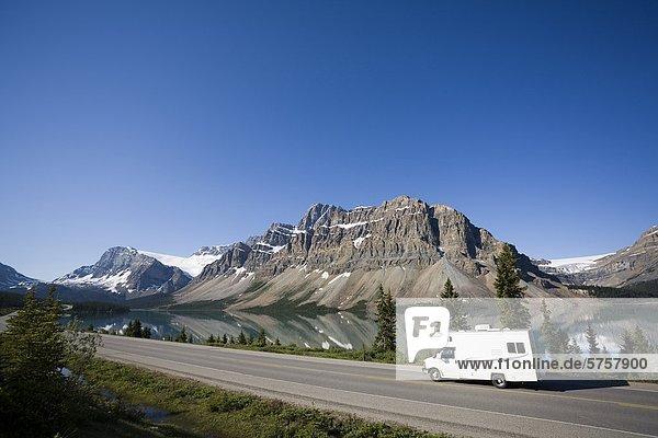 Bundesstraße Banff Nationalpark Eisfeld Alberta Kanada