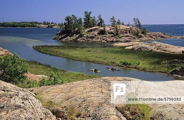 paddeln Kajakfahrer Bach Killarney Provincial Park Kanada Ontario