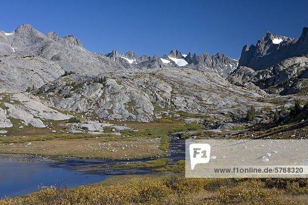 Wanderweg zum Titcomb Becken  Wind River Range  Wyoming  Vereinigte Staaten von Amerika