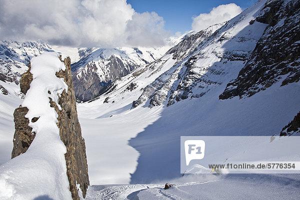 Hütte Skifahrer Frische Reise Lodge Landhaus Gesichtspuder unbewohnte entlegene Gegend Entdeckung