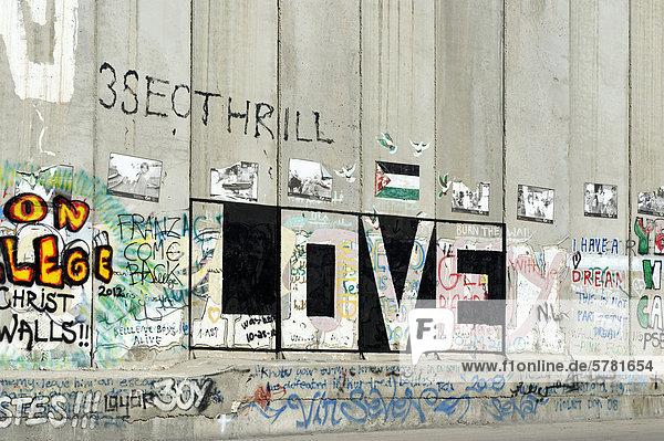 Graffiti  Befestigungsmauer  Betonmauer  israelische Sperranlage  Grenze in Bethlehem  Israel  Naher Osten