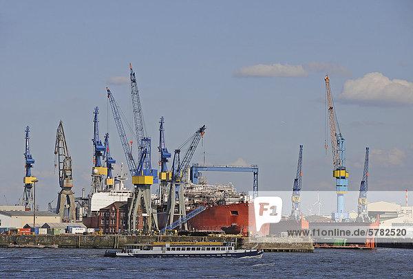 Schiffswerft Hamburger Hafen  Hamburg  Deutschland  Europa