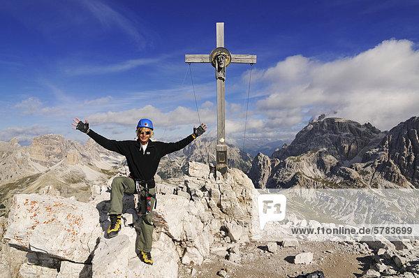 Klettersteig Drei Zinnen : Dolomiten drei zinnen europa iblnex02264511 hier auf dem gipfel