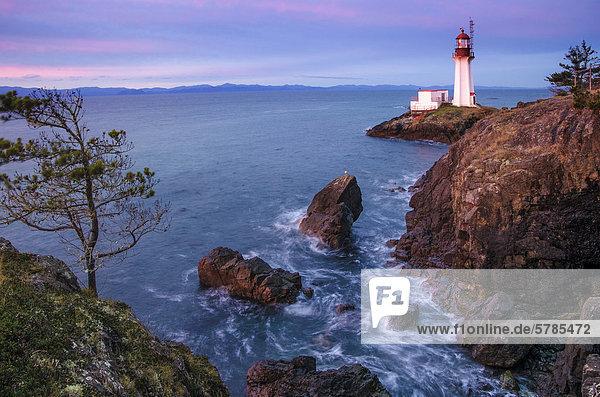 Sheringham Point Lighthouse  Shirley  British Columbia  Kanada