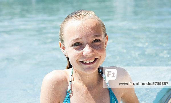Mädchen im freibad kennenlernen