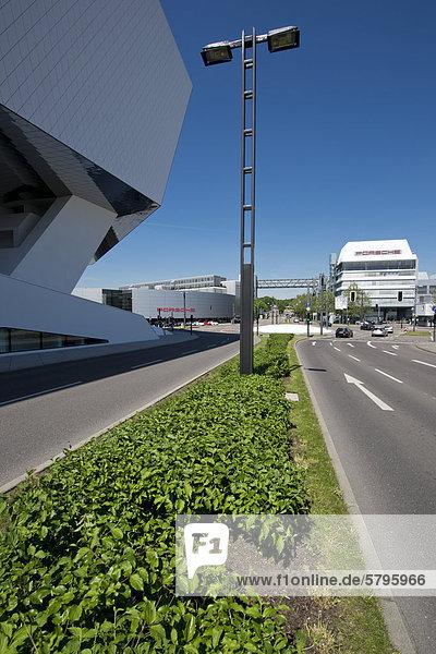 Porsche-Museum und Porsche Firmen-Zentrale  Zuffenhausen  Stuttgart  Baden-Württemberg  Deutschland