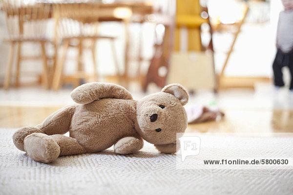 che in Bear Cameraterraorso si sul abbandonato tappeto trova Teddy VUGjLqpSzM