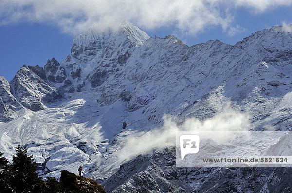 Thamserku-Gebirge in Nepal