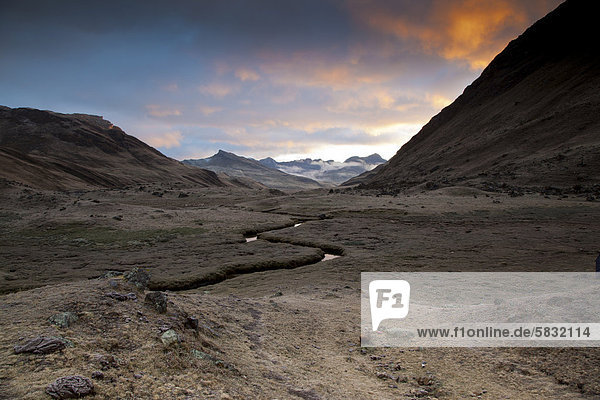 River meandering through a valley in the morning light  Cordillera Huayhuash mountain range  Andes  Peru  South America