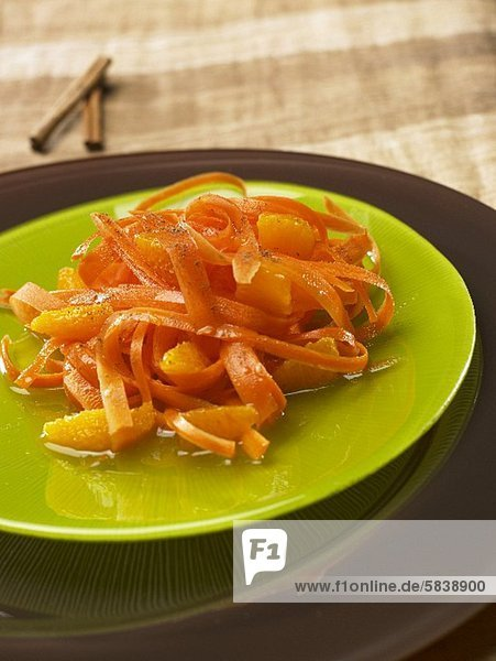 Karottensalat mit Orange