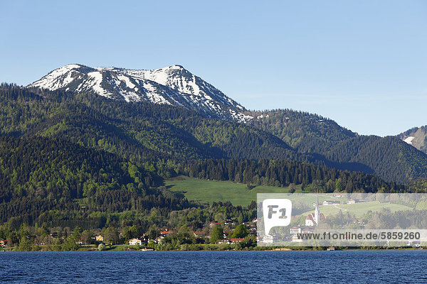 Bad Wiessee mit Hirschberg  Tegernsee  Tegernseer Tal  Oberbayern  Bayern  Deutschland  Europa