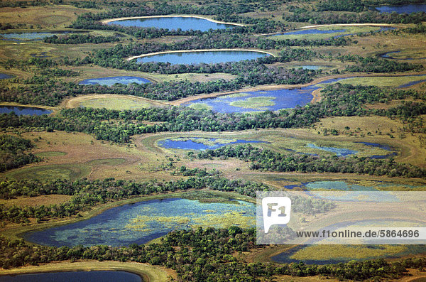 Lagunen während der Trockenzeit (Antenne)  Pantanal  Brasilien