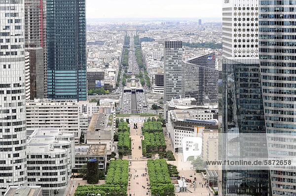 Blick vom Grande Arche  La DÈfense  Geschäftsviertel  Paris  Frankreich  Europa