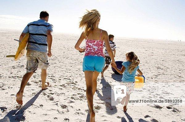 Strand  rennen  Mittelpunkt  Rückansicht  Ansicht  2  Erwachsener