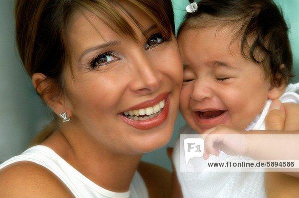 Portrait  tragen  Mädchen  Mutter - Mensch  Baby