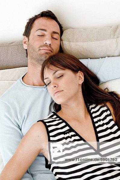 hoch  oben  Zusammenhalt  schlafen  Ansicht  jung  Flachwinkelansicht  Winkel
