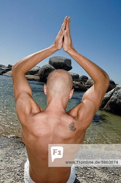 Mann  üben  Rückansicht  Ansicht  jung  Yoga