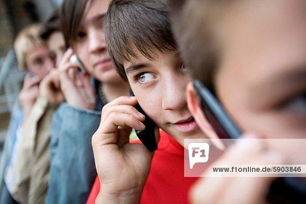 Jugendlicher  4  sprechen  Junge - Person  Mädchen
