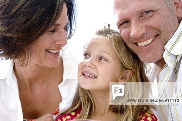 lächeln  Menschliche Eltern  Close-up  close-ups  close up  close ups  Mädchen