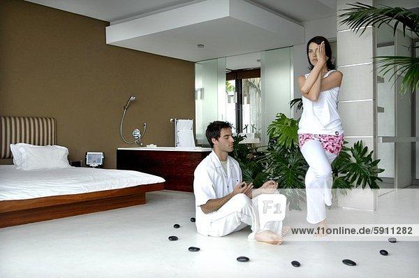 üben  Mittelpunkt  Yoga  Erwachsener