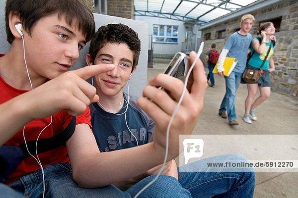 Jugendlicher , zuhören , Junge - Person , Musik , 2