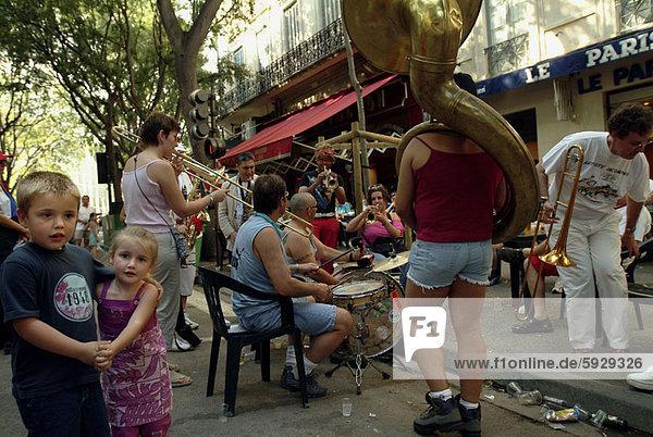 Frankreich  Straße  Musiker  zeigen  Provence - Alpes-Cote d Azur
