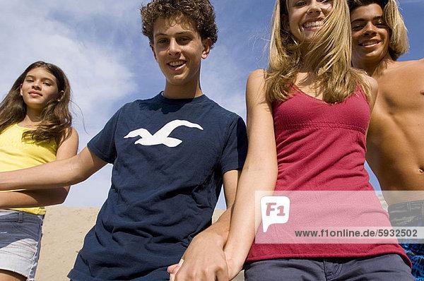 Portrait  Jugendlicher  lächeln  2
