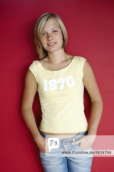 Maultasche  Portrait  Frau  lächeln  jung