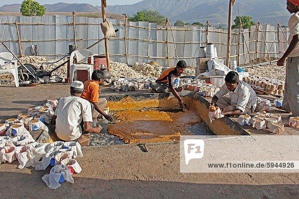Spazierstock  Stock  Zuckerrohr  Saccharum officinarum  Produktion  Zucker  Saft  Indien